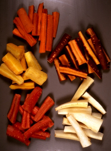 Carrot sticks in five colours
